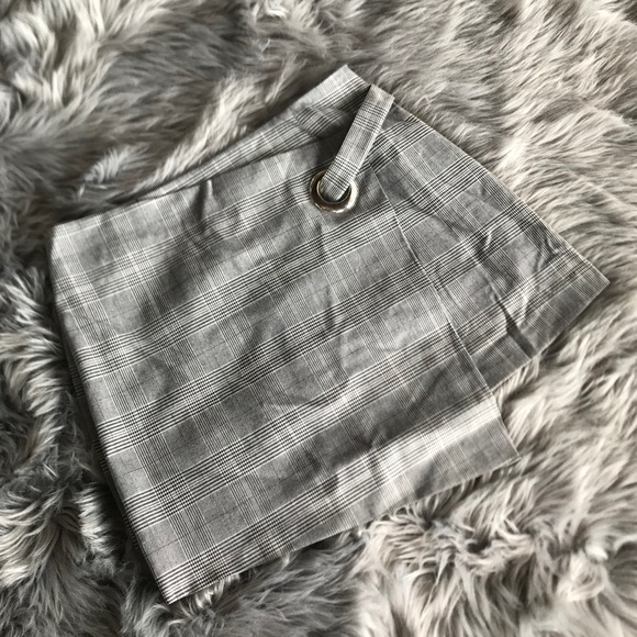 Forever 21 Dresses & Skirts - Forever 21 Grey Plaid Faux Wrap Skirt